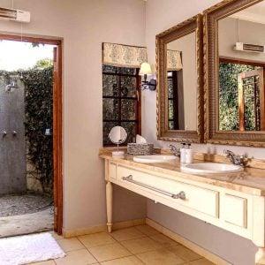 Private Executive Villas Room - Private Bathroom
