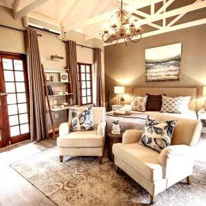 Private Executive Villas Room - White River Manor