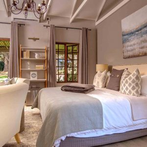 Private Executive Villas Room - Luxury bed