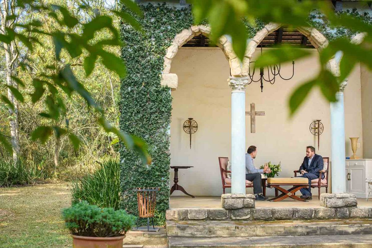 one to one therapy on the patio at White River Manor