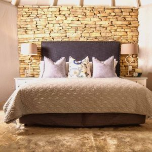 Manor Suite - King size bed