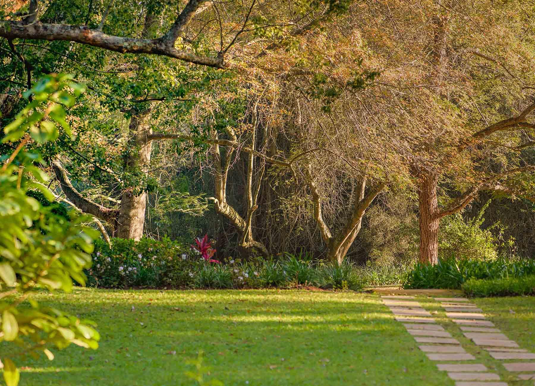 garden white river manor