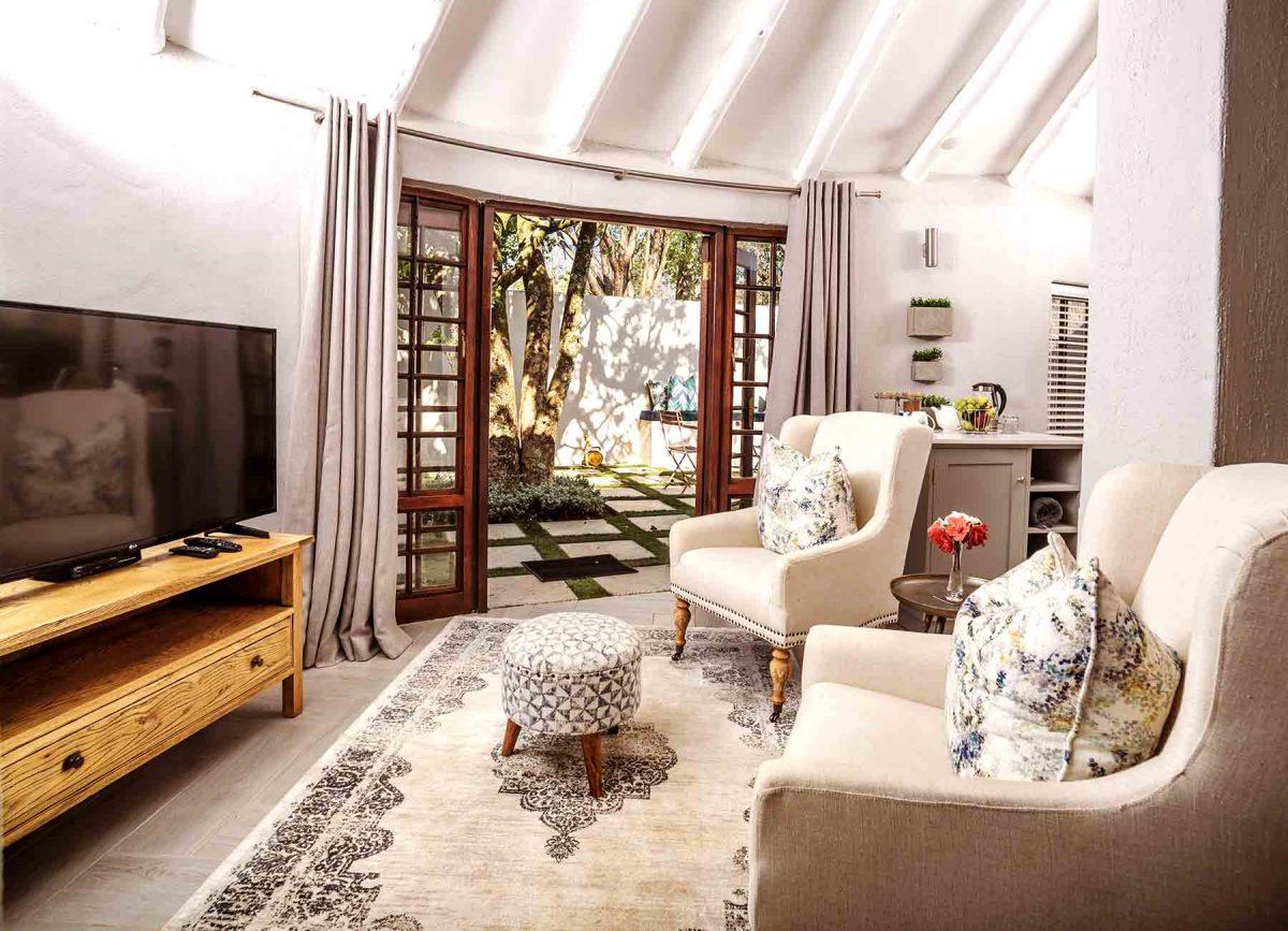 Manor Suite - TV corner